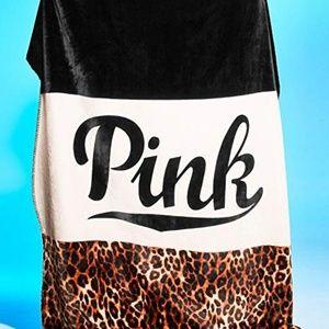NEW Victoria's Secret PINK Cheetah Sherpa Blanket